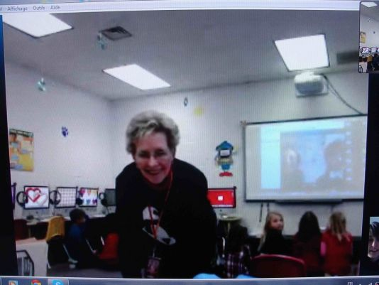 Vicki O'Neal was teaching 2nd grade students at Lincoln Elementary School in Baxter Springs  in 2014 and is now an instructional coach to the new teachers at the school. She has organised three videoconferences with Professor Sneeze since last year during which the students learned about the Polar Regions.