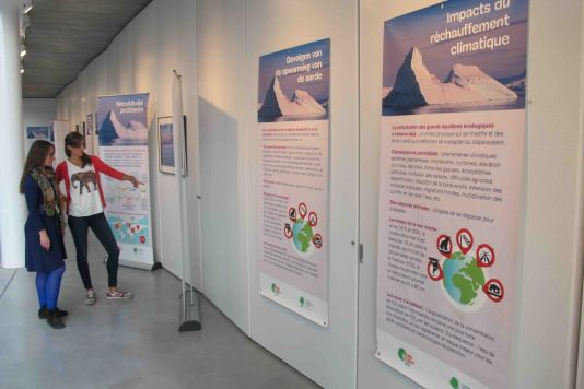 The climate exhibition in the new Brussels Environment offices gave visitors the opportunity to learn about climate change and the COP21 meeting. The International Polar Foundation (IPF) collaborated in the exhibition with pictures of magnificent polar landscapes.