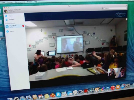 In 2015 Lincoln Elementary School contacted Professor Sneeze to learn all about the South Pole.  In March, three classes of 8 years old students joined in in the videoconference.